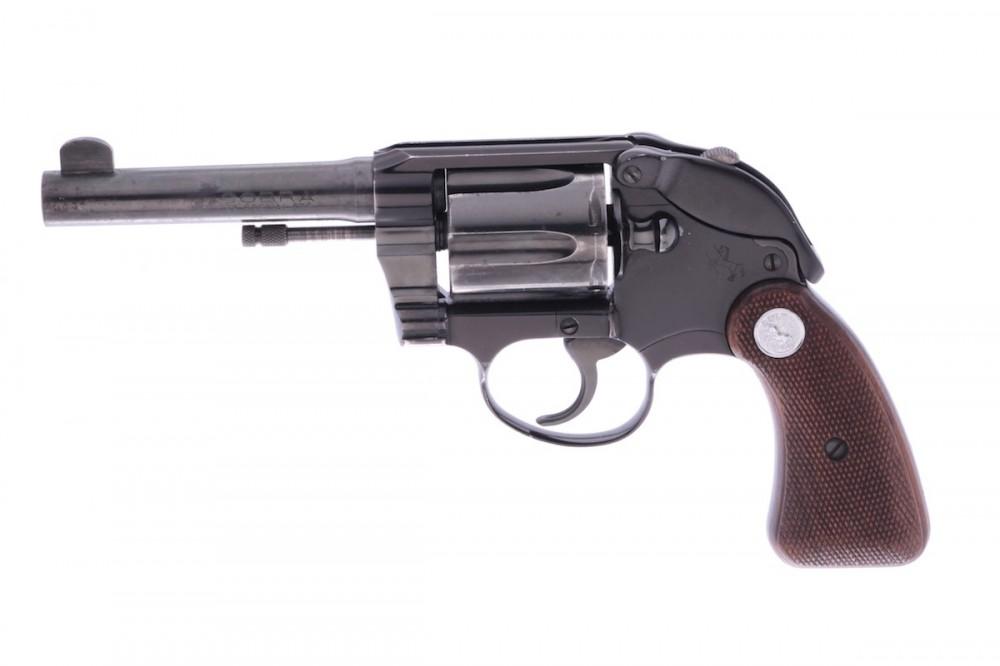 Revolver Colt  Cobra