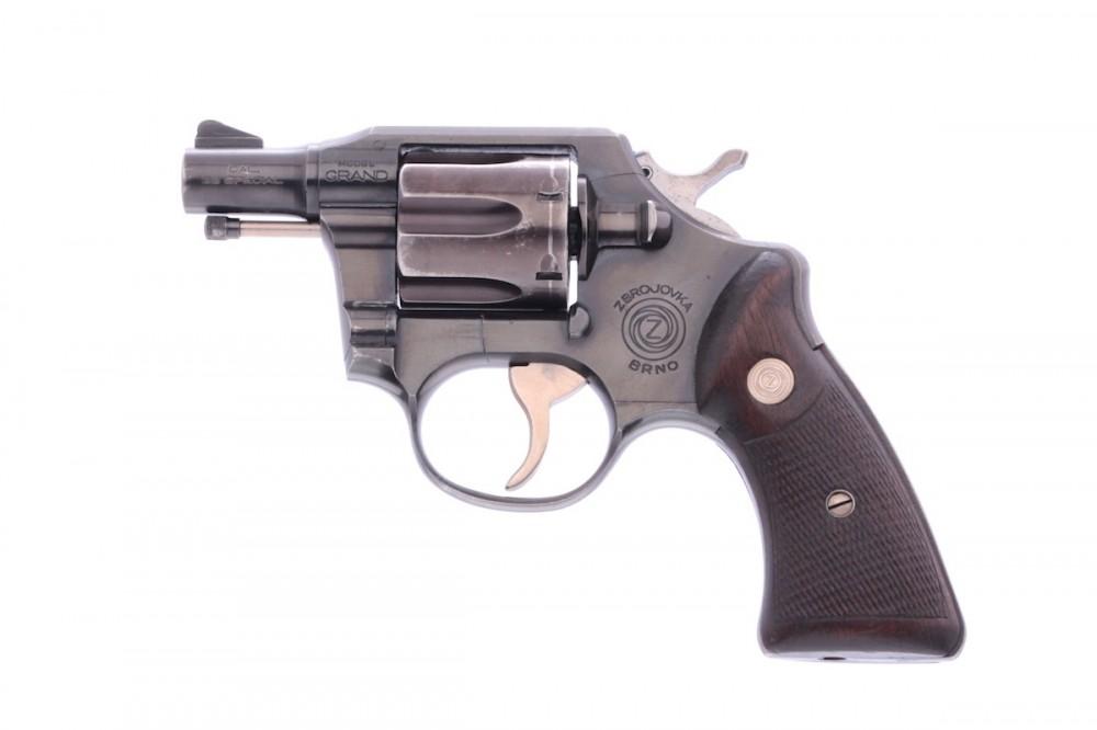 Revolver ČZ Grand