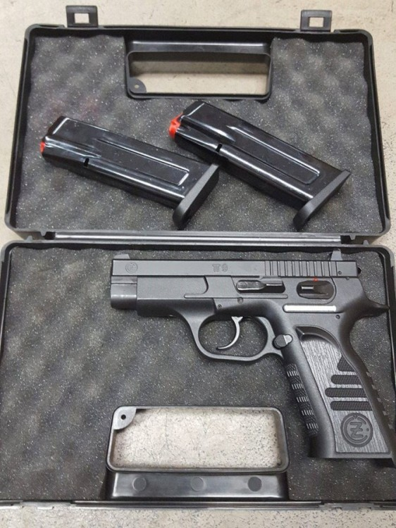 Pistole CZ TT-9