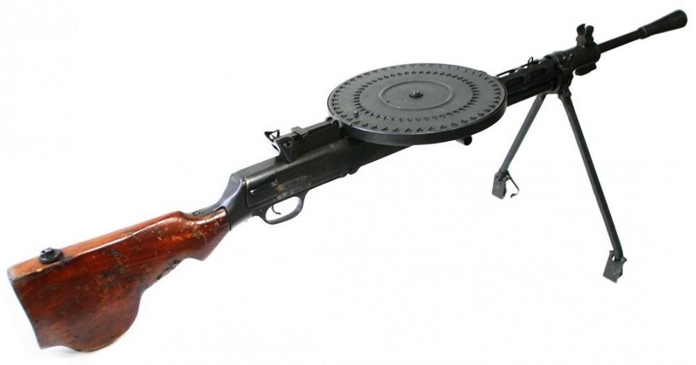 DP- SEMI(DP27)samonabíjecí puška
