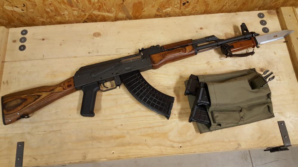 Samonabíjecí puška Kbk AKM - 7,62x39
