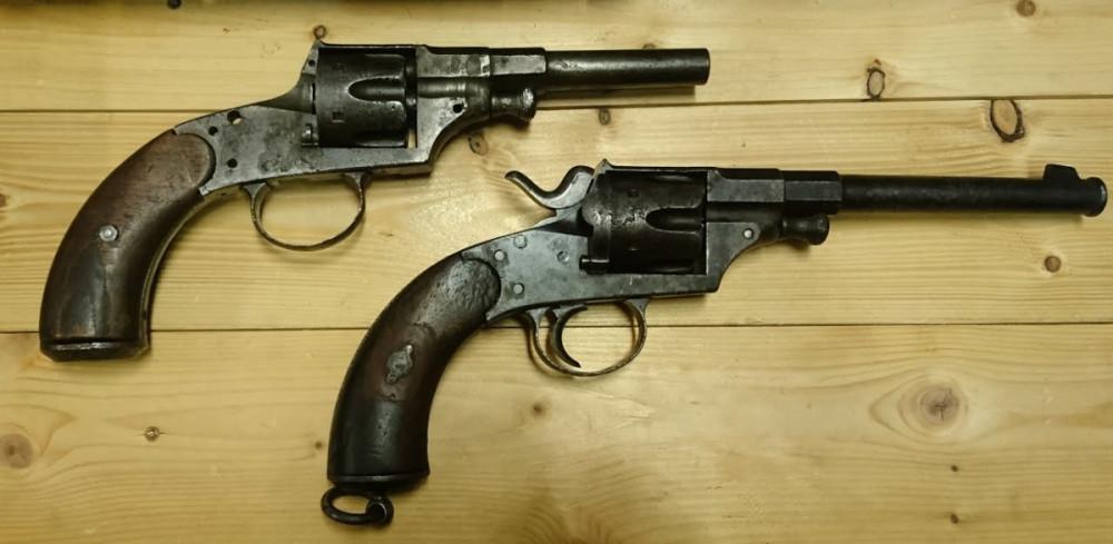Reichsrevolver M79 + další kus na náhradní díly č.2