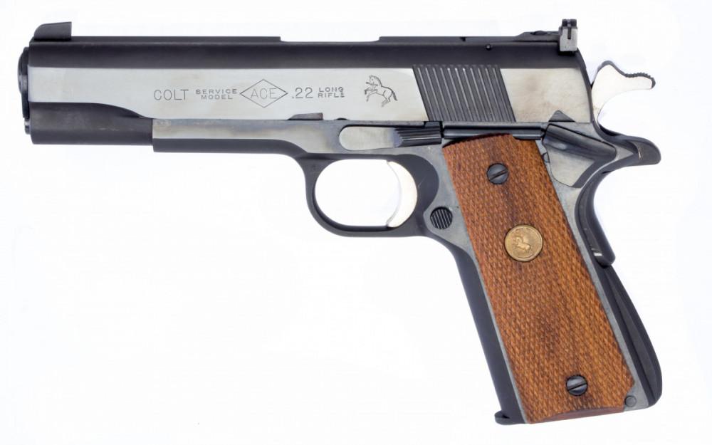 Pistole Colt ACE č.1